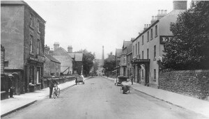 The Lion Hotel Circa 1900 with Croft Cottages opposite (set back from the main road) prior to their demolition around 1913