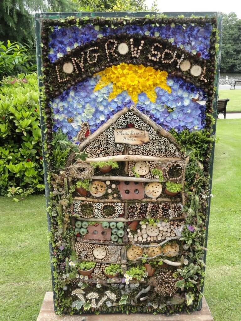 well dressing 4