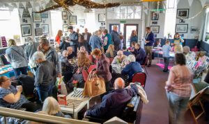 Crowds in the Cafe